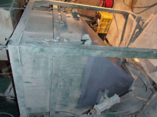 石の粉砕機のサムネイル画像